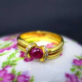 Extraordinary ring with ruby and diamonds