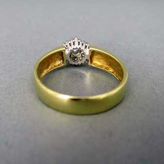 Cluster diamond ladys  ring in 14 k gold