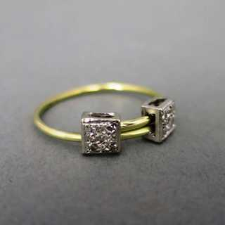 Unique diamond ring in white and yellow gold
