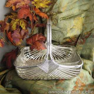 Silver plated basket with glas inlay