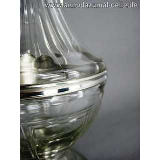 Decanter carafe in glass and pewter