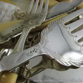 Fish cutlery set in silver and bone from England