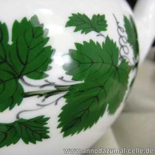 Tea pot porcelain wine leaves, Meissen