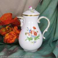 Porcelain coffee pot Meissen flower decor