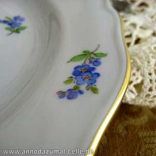 Meissen porcelain plate with flower decoration