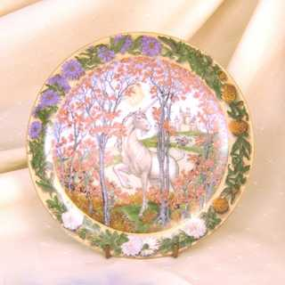 Vintace collectors porcelain plates with unicorn motifs Hutschenrheuter