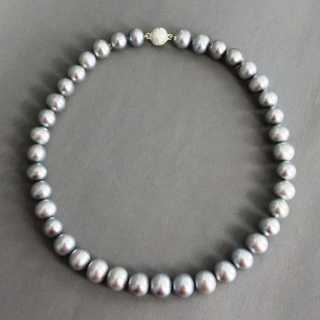 Grey pearl necklace with silver clasp