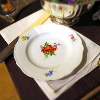 Small procelain plate flower decor Meissen