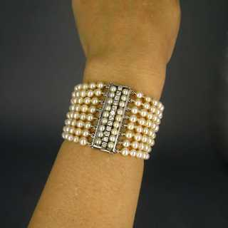 Wonderful Art Deco cuff bracelet in white gold with diamonds and pearls