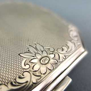 Art Deco compact tin in silver
