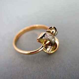Delicate two tone gold ring from Russia set with nice diamonds vintage jewelry
