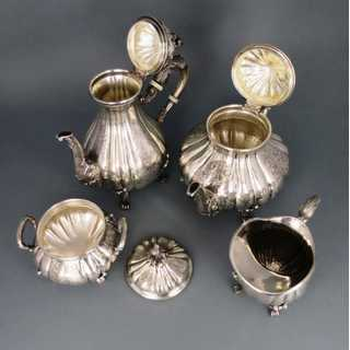 Rich decorated 4-pieces  tea and mocha set in silver Umberto Malinverni Italy