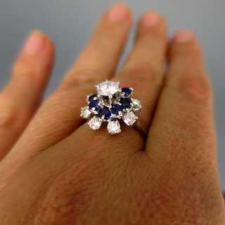 Magnificent cocktail ring in white gold with blue sapphires and diamonds