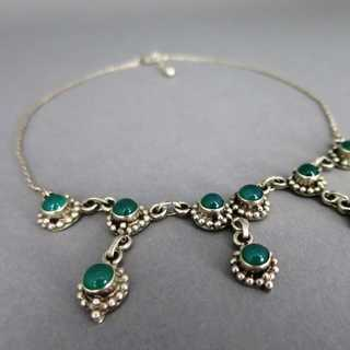 Elagant and feminine collier necklace in sterling silver with green agate cabs