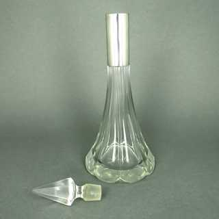 Elegant Art Deco carafe in crystal glass and 835 silver mounting Germany