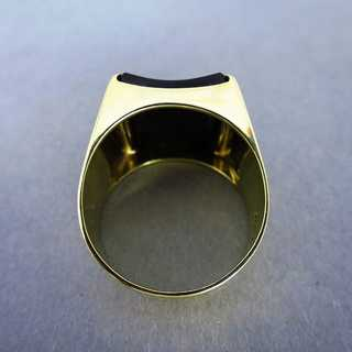 Elegant mens signet ring in gold with huge black onyx stone slice