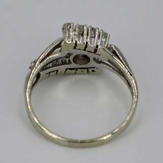 Elegant geometric white gold ring set with diamonds around 1960