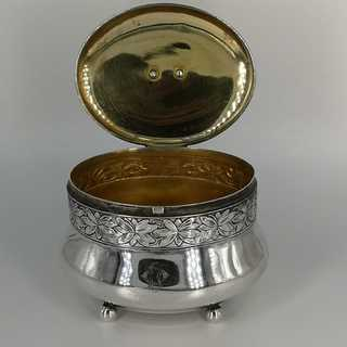 Art Nouveau lid box in solid silver from Berlin around 1900
