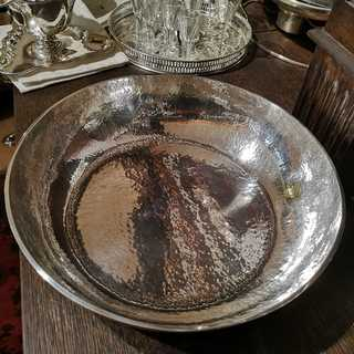Large hammered bowl from Art Deco in solid silver 900