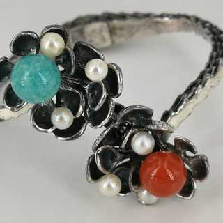 Floral bangle in silver with coral, turquoise and pearls