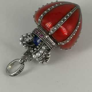 Pendant in silver set with gemstones and pearls in Fabergé style