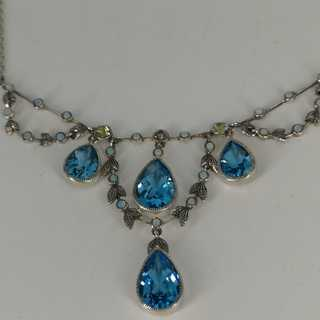Adorable colllier in sterling silver with various gemstones