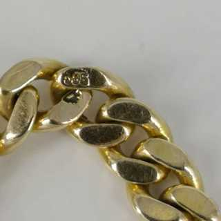 Handmade curb chain ring in gold with diamonds