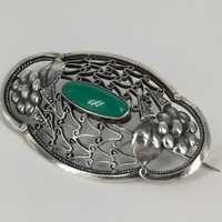 Art Nouveau brooch in silver with a chrysoprase