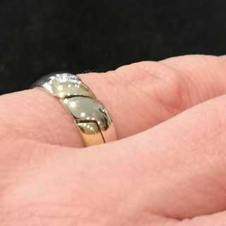 Vintage unique puzzle ring in white gold and yellow gold
