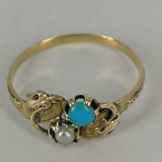 Delicate Art Nouveau ring in gold
