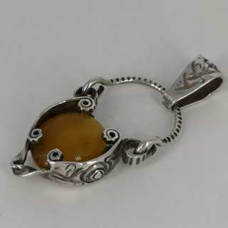 Large Worpsweder jewelry pendant in silver and amber