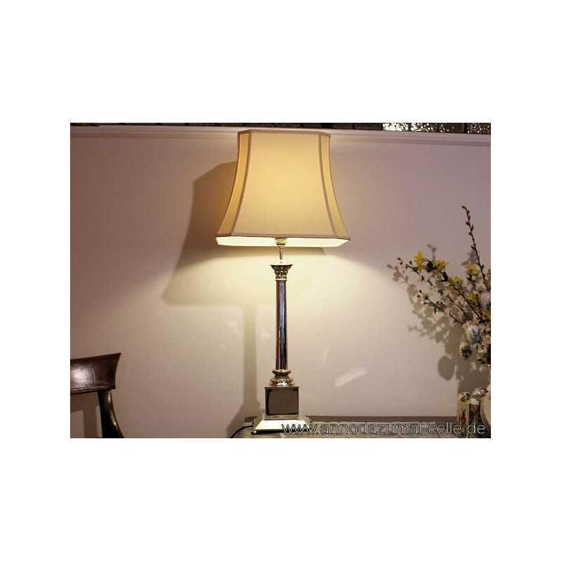 lampe mit versilbertem s ulenfu 750 00. Black Bedroom Furniture Sets. Home Design Ideas