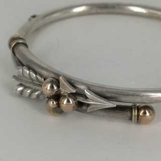 Armors Arrow bracelet in silver with gold applications