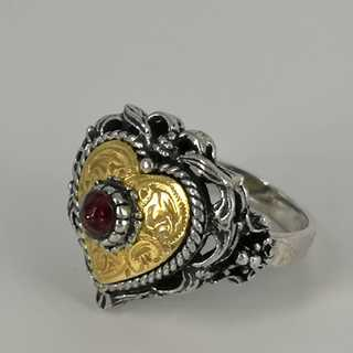 Ring in silver and gold with tourmaline trimmings in traditional costume jewelry